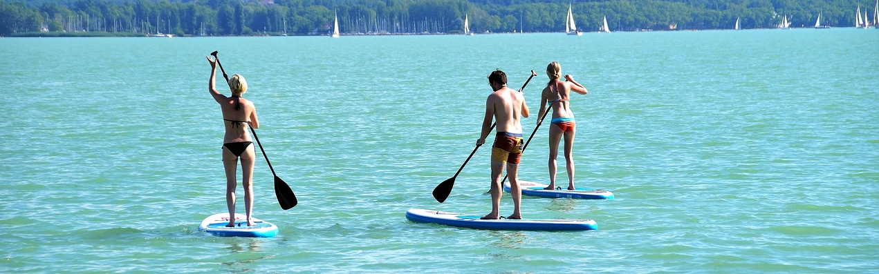stand-up-paddle-beach-party-team-building