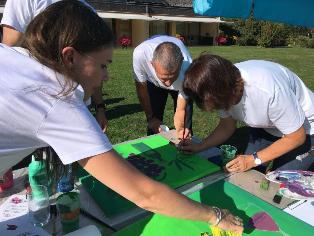 organisation-team-building-atelier-creation-de-fresque-sortie-d-entreprise-Nestle